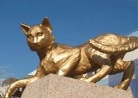Знаменитый кот увековечен в статуе: история и ее завершение